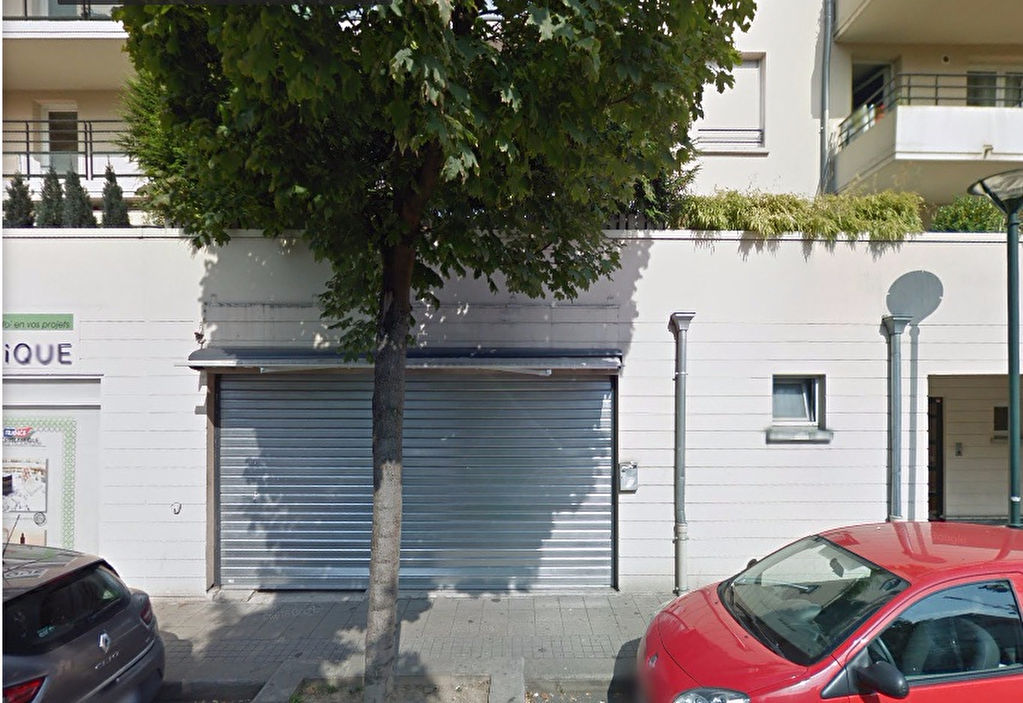 local-commercial-chelles-143-m2